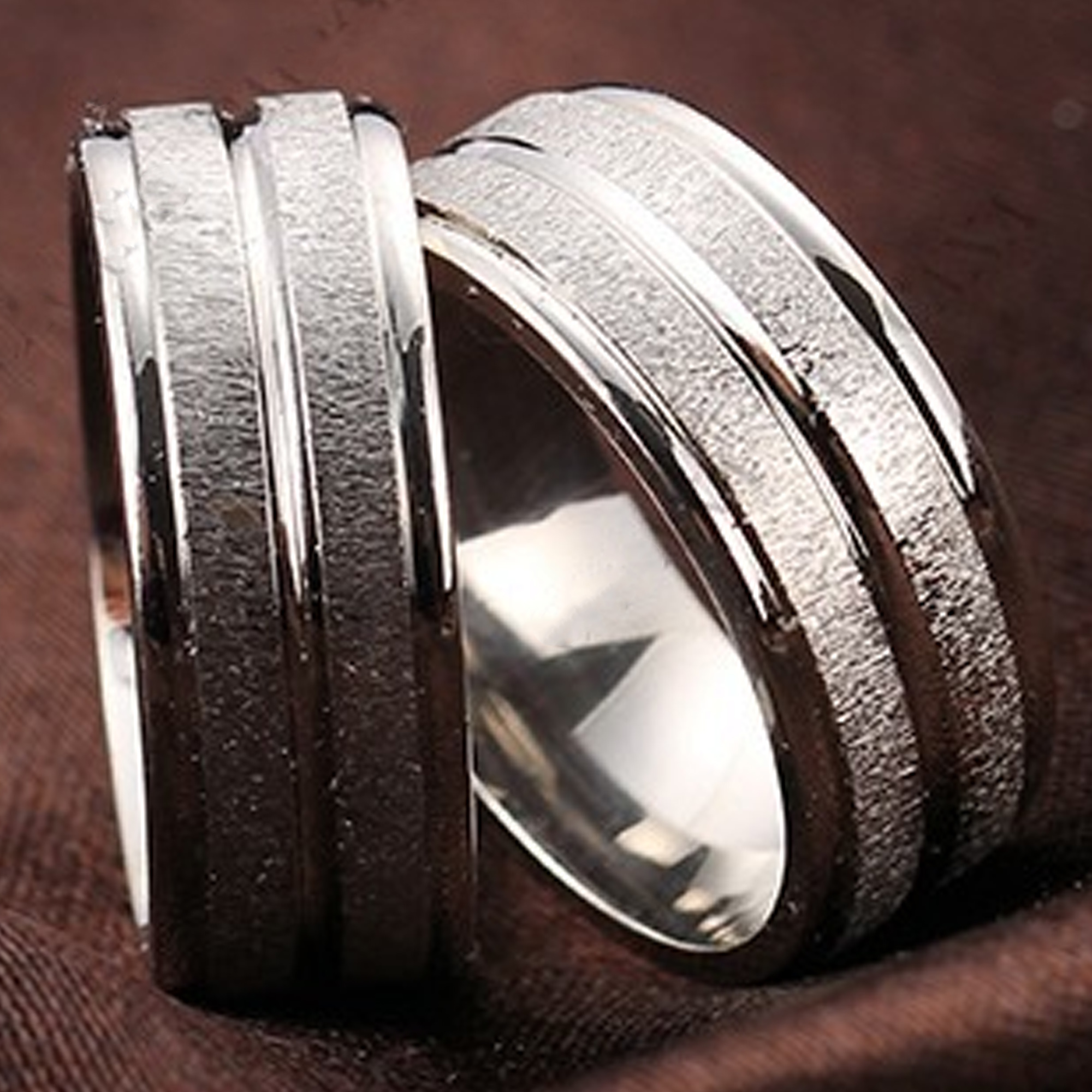 Stainless Steel Mens Wedding Band Ring 8mm: 8mm Sparkly Stainless Steel Silver Mens Ring Womens